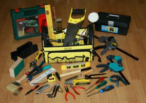 Wyposażenie warsztatu - podstawowy zestaw narzędzi przydatny w przydomowym warsztacie. Fot. Bartosz Nowacki