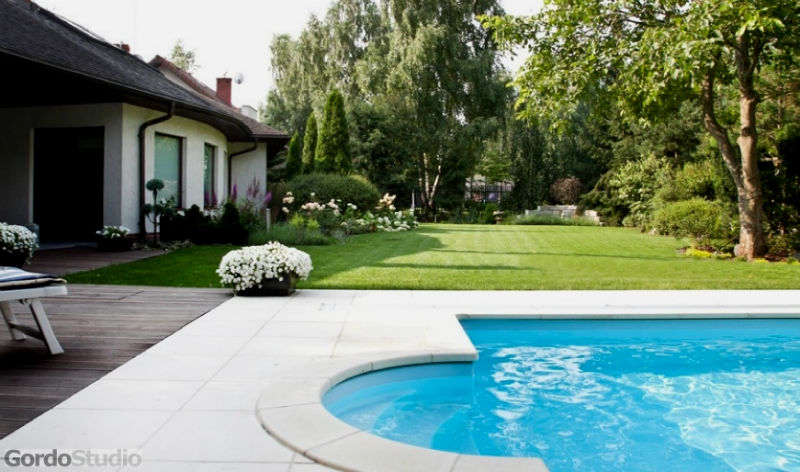 Ogrodowy basen. Fot. GordoStudio