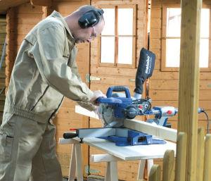 Bezpieczna praca elektronarzędziami - ostrożność