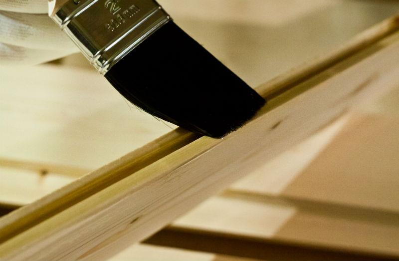 Dekoracyjne malowanie drewna