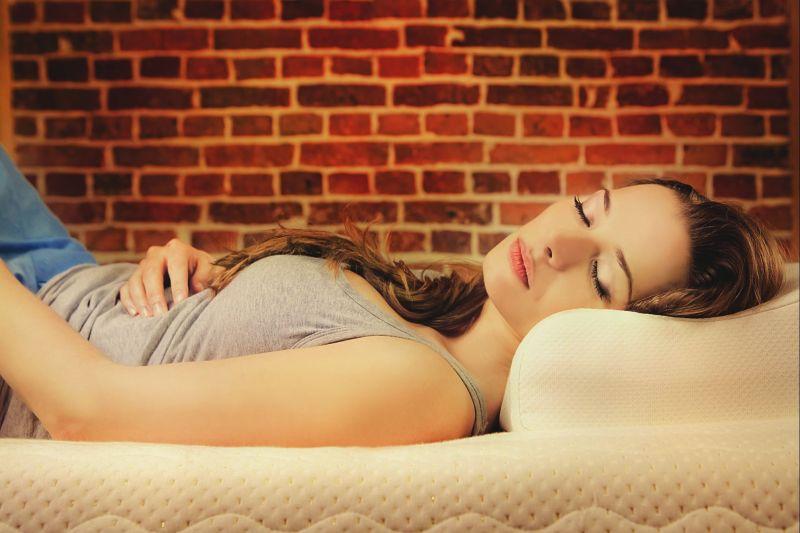 W jakiej pozycji śpimy zdrowo
