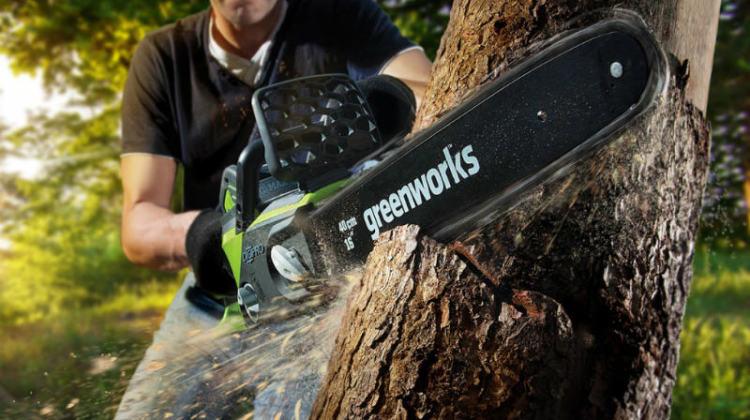 Jak używać pilarki - Greenworks
