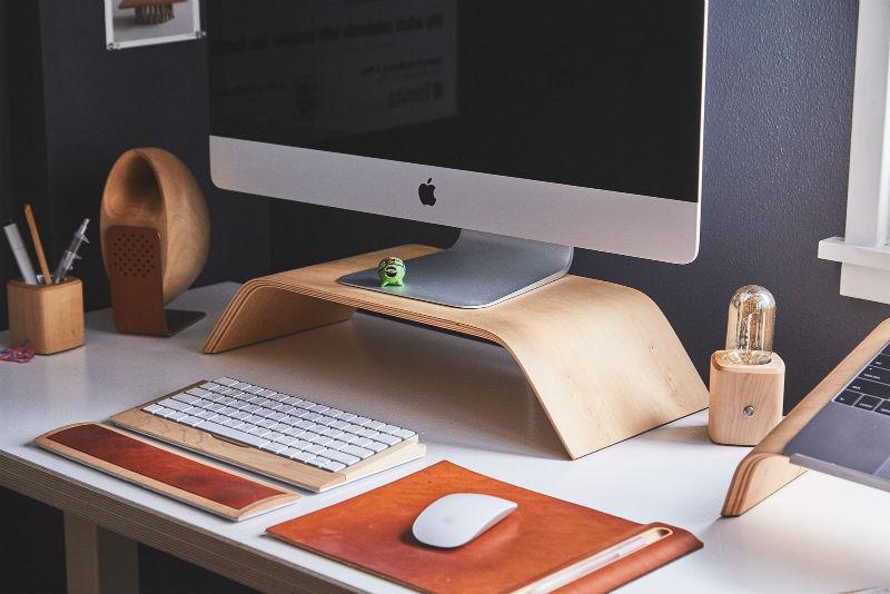 biurko jest podstawowym elementem gabinetu