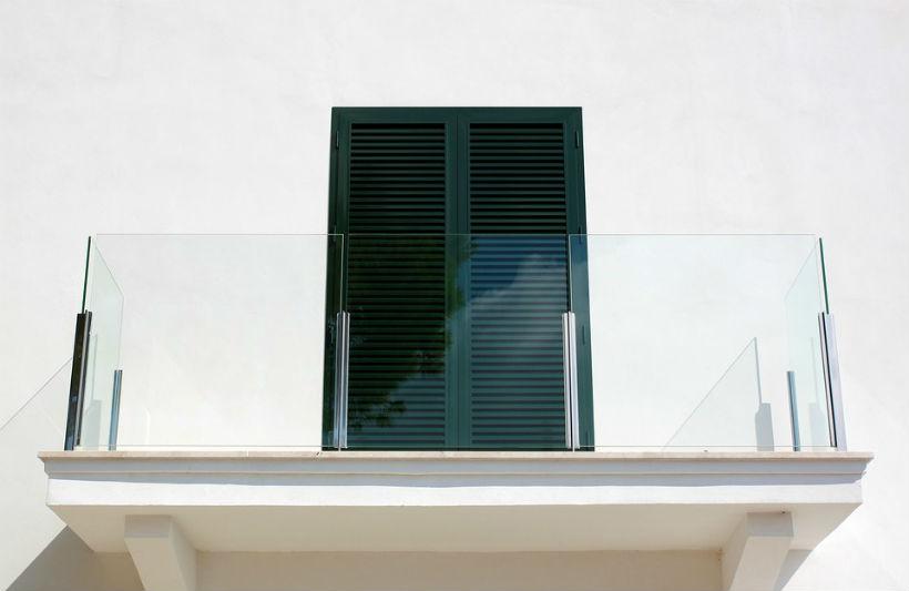 szklany balkon