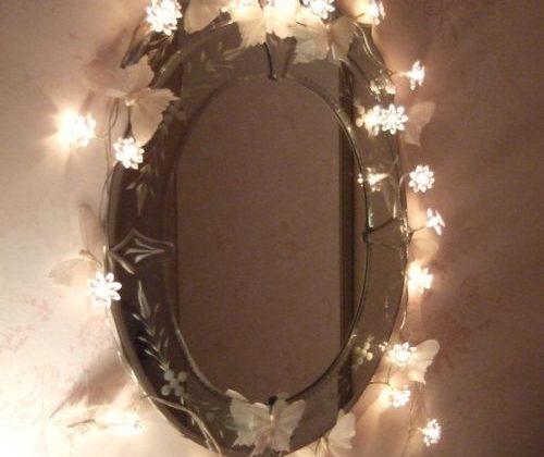 jak-oryginalnie-oswietlic-lustro