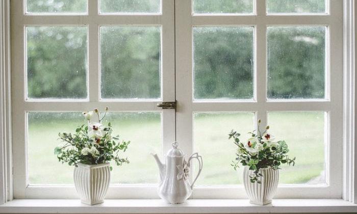 rustykalne okno drewniane