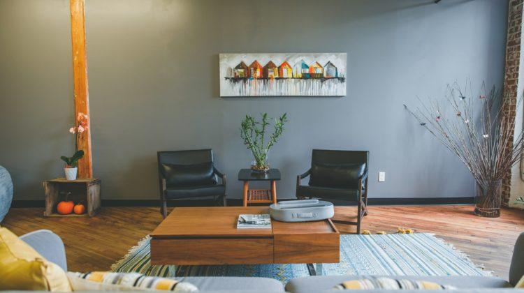 Stolik – niezbędnik, czy dekoracja