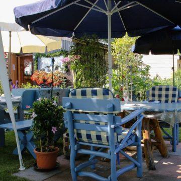 Jak wybrać leżaki ogrodowe?