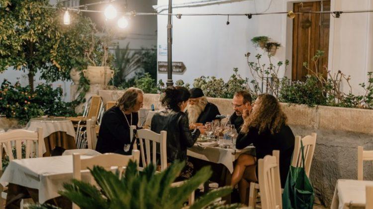 Meble ogrodowe do restauracji